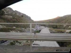 Il viadotto di contrada Petrusa ed i lavori sulla futura corsia per Caltanissetta
