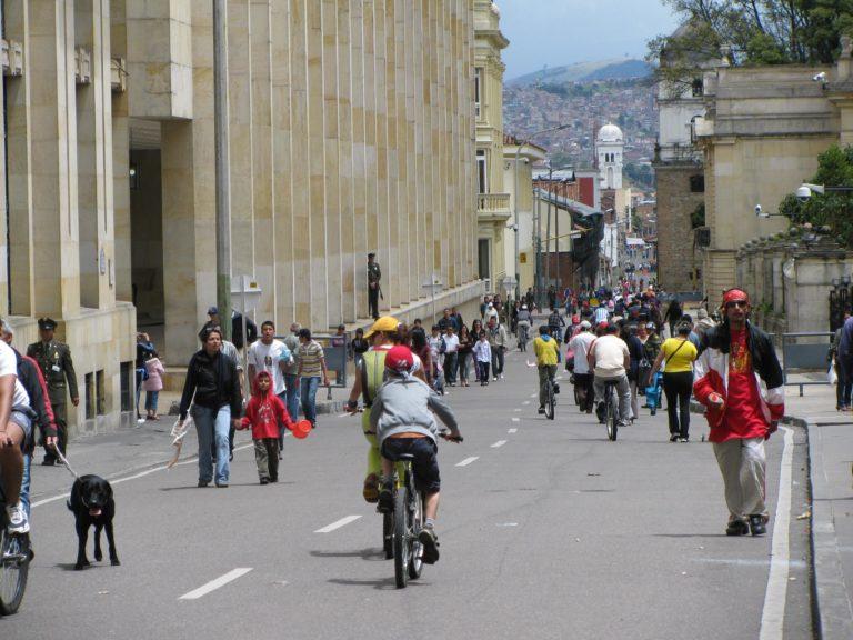 Ciclovia, Bogotà, fonte https://planbici.com/